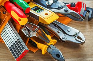 色とりどりの様々な工具